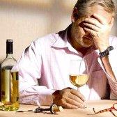 Які основні ознаки алкоголізму у чоловіків?