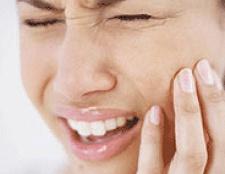 Що робити при гострого зубного болю?