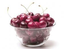 Які вітаміни в черешні?